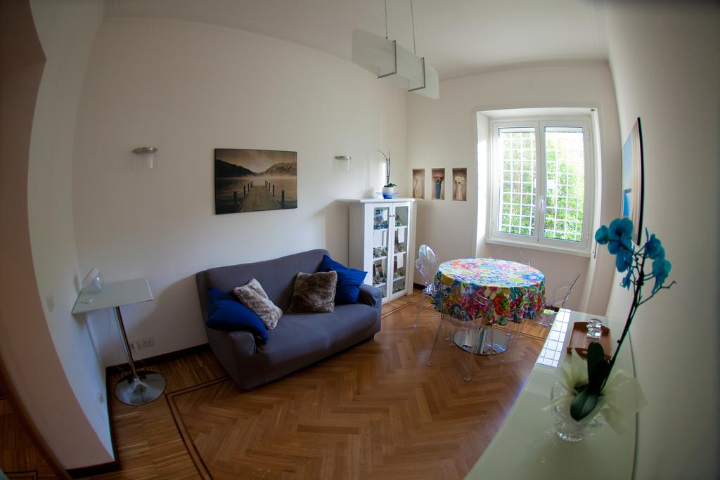 Blue Orchid Rome Apartment