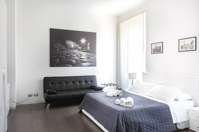 Grey&White Apartment