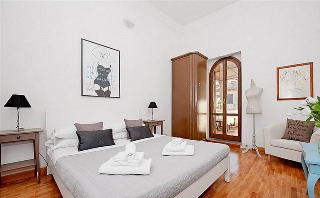 Amleto Apartment