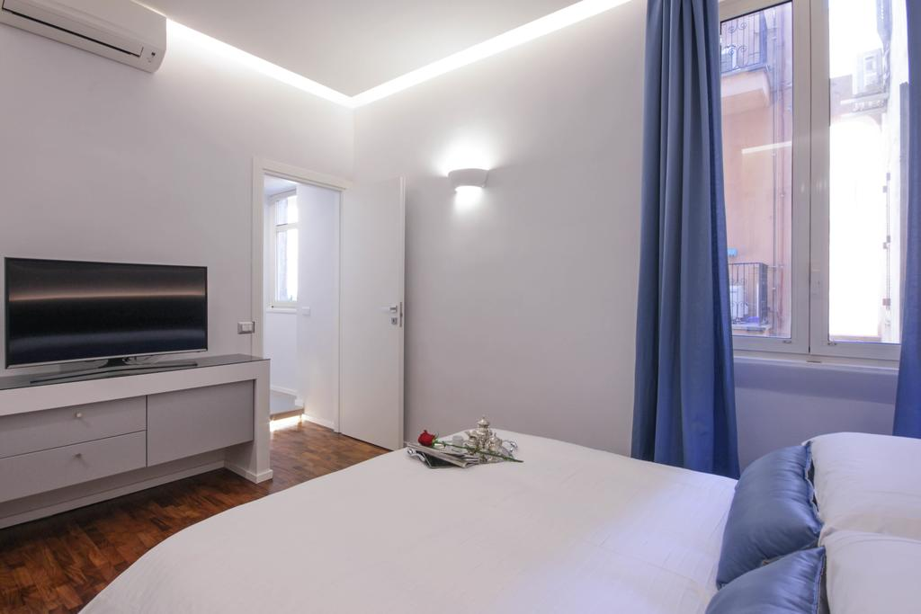 Living RHome - Condotti Apartment